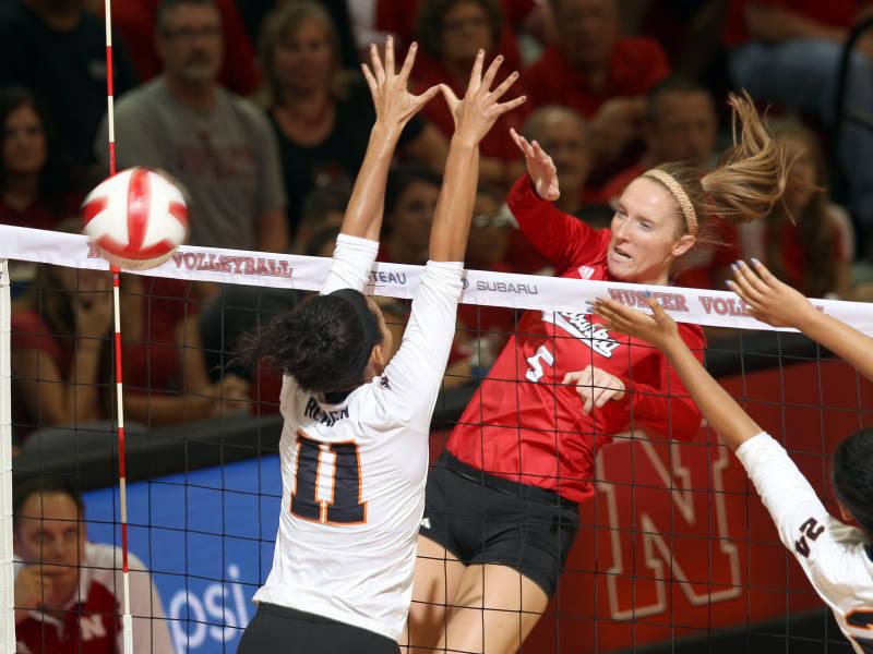 Nebraska Remains #1 in AVCA Polls After 2-0 Weekend at Nebraska Invite
