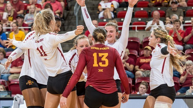 Iowa State Takes Down Rivals Iowa In Cyclone Invitational