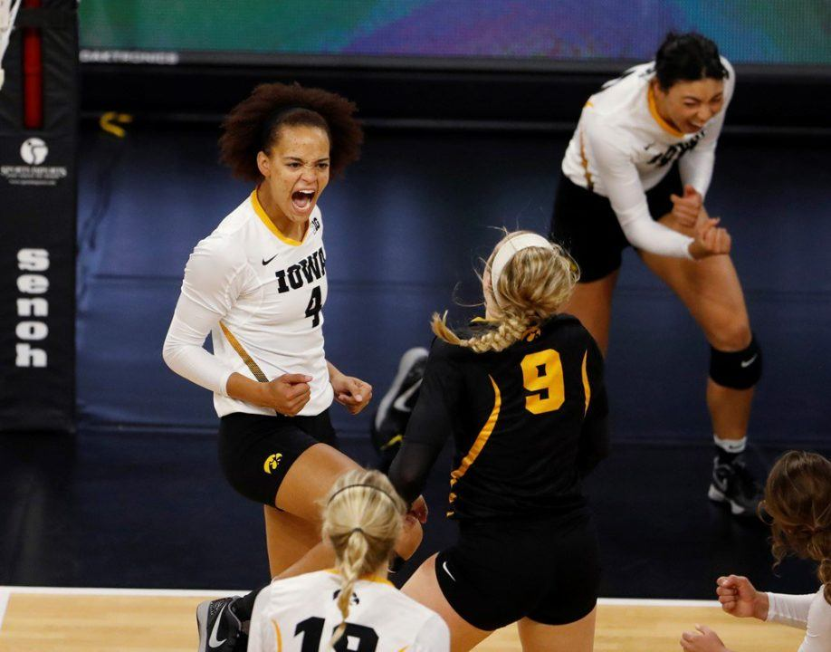 Iowa Grabs First Conference Win With Sweep Over Maryland