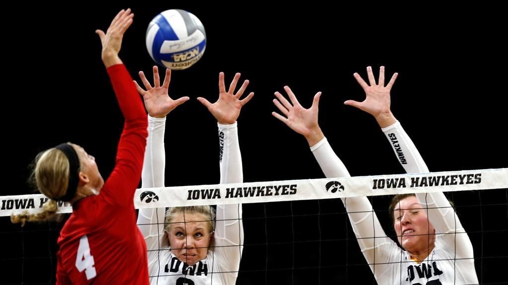 Michigan State Rolls Past Iowa in Big 10 Opener