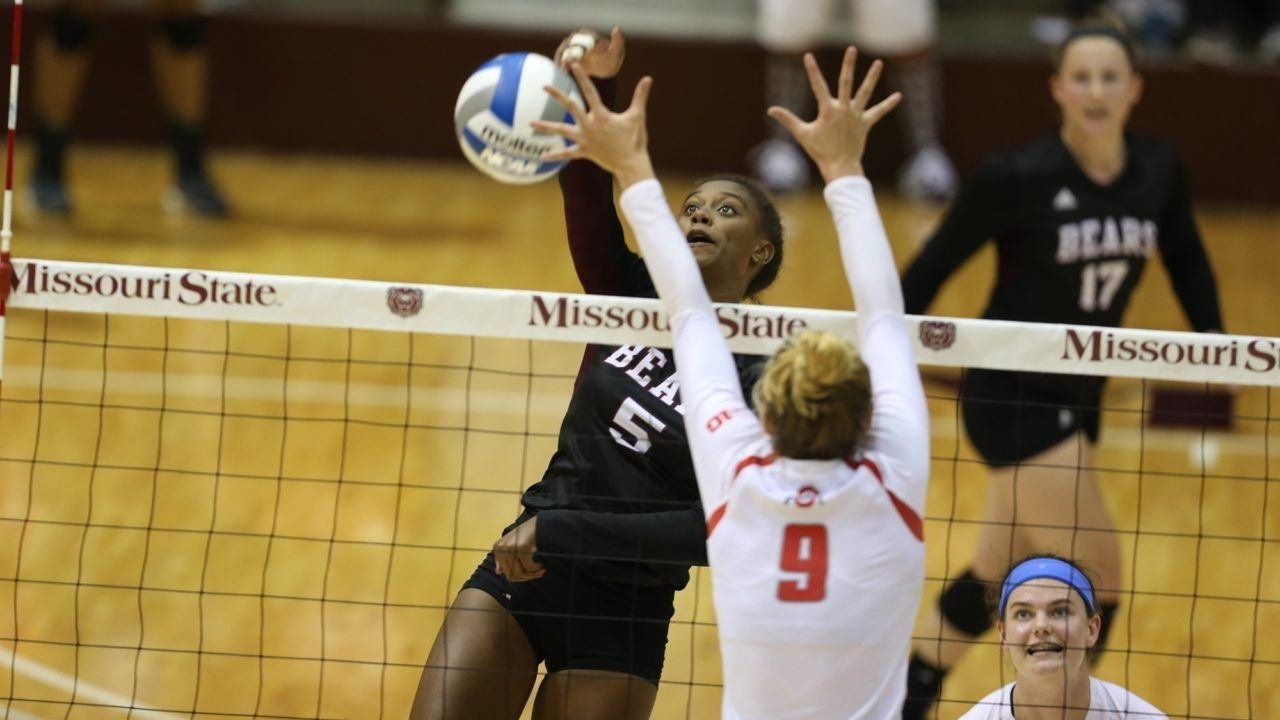 Missouri State's Lynsey Wright Claims MVC Player of the Week
