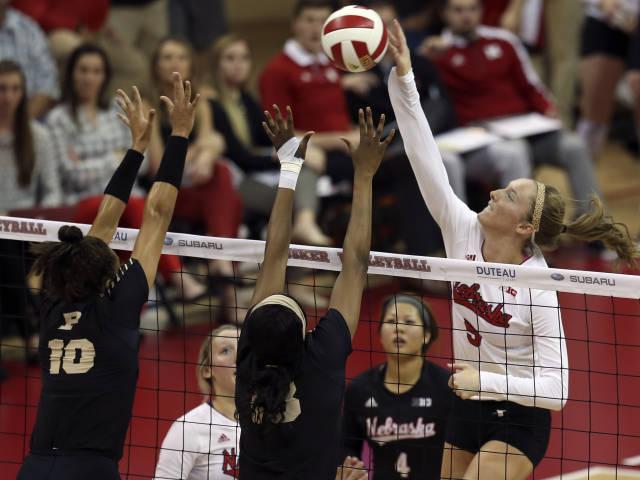 Nebraska's Amber Rolfzen Named AVCA Player of the Week
