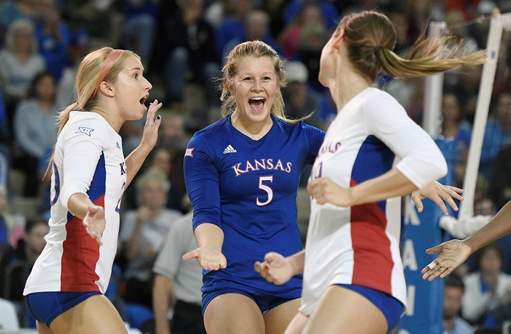 VolleyMob National Player of the Week: Kansas' Cassie Wait