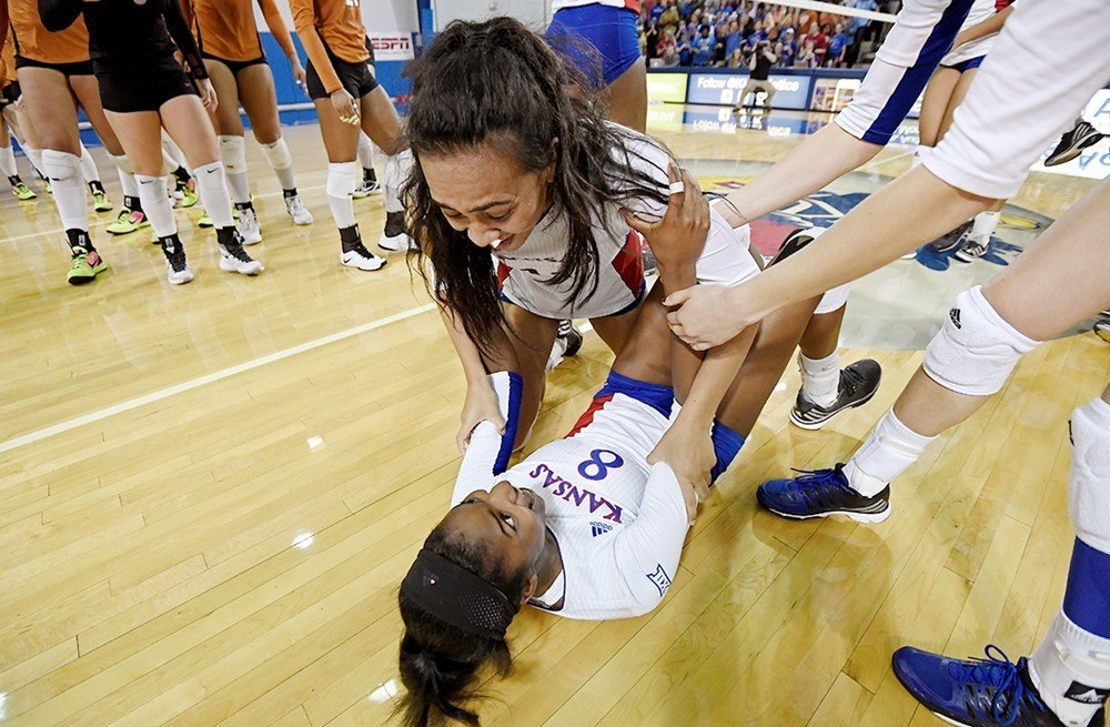 #6 Kansas Battles Past #2 Texas To Become Big 12 Title Contenders