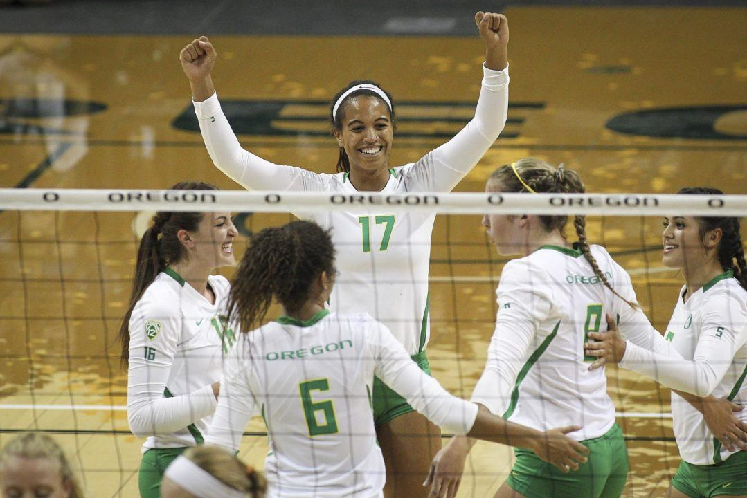 Oregon Continues 11 Match Winning Streak With Win Over Arizona