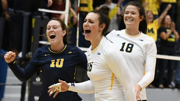#17 Michigan Fights Back to Defeat Illinois in 4