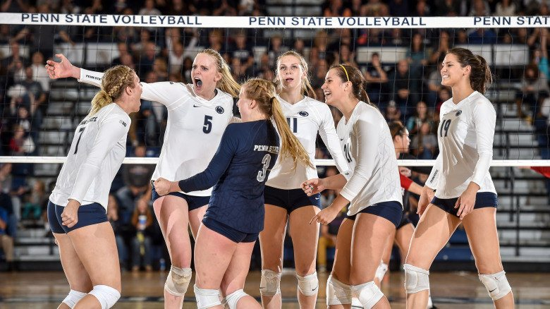 Simone Lee Collects 22 Kills as #2 Penn State Beats Iowa in Four Sets