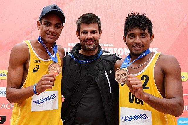Mauro Hernandez heads home to Venezuela as beach volleyball coach