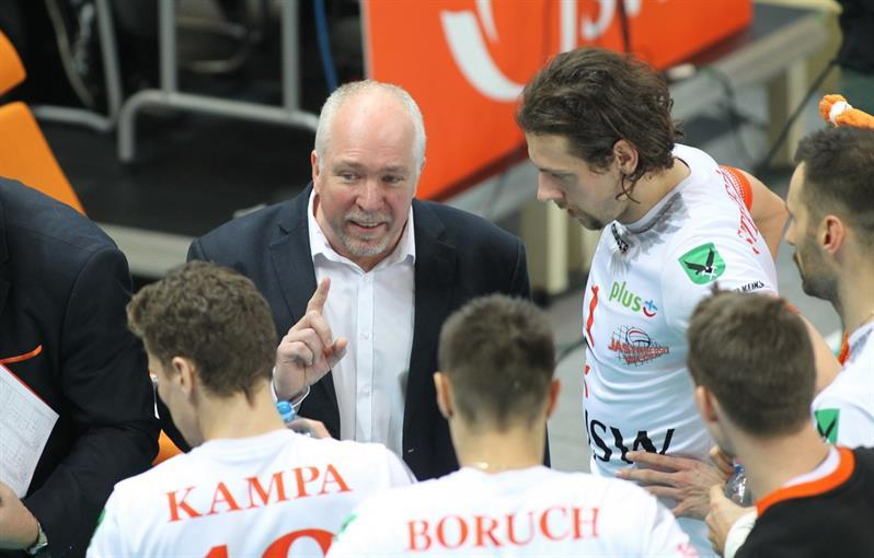 Australia Brings Another Big-Name Coach Back Home to Coach VolleyRoos