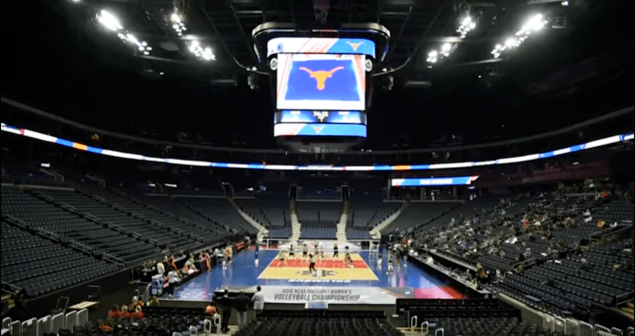 WATCH: Texas Makes Final Preparations for NCAA Final 4