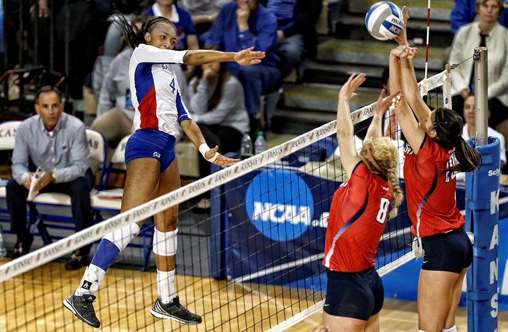 #9 Kansas Hits .386 as Pin-Players Dominate in Sweep of TCU
