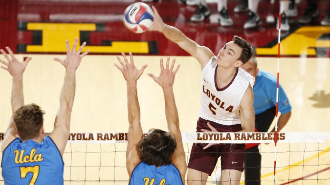 #6 Loyola Chicago Overcomes Challenge From #11 UC Santa Barbara