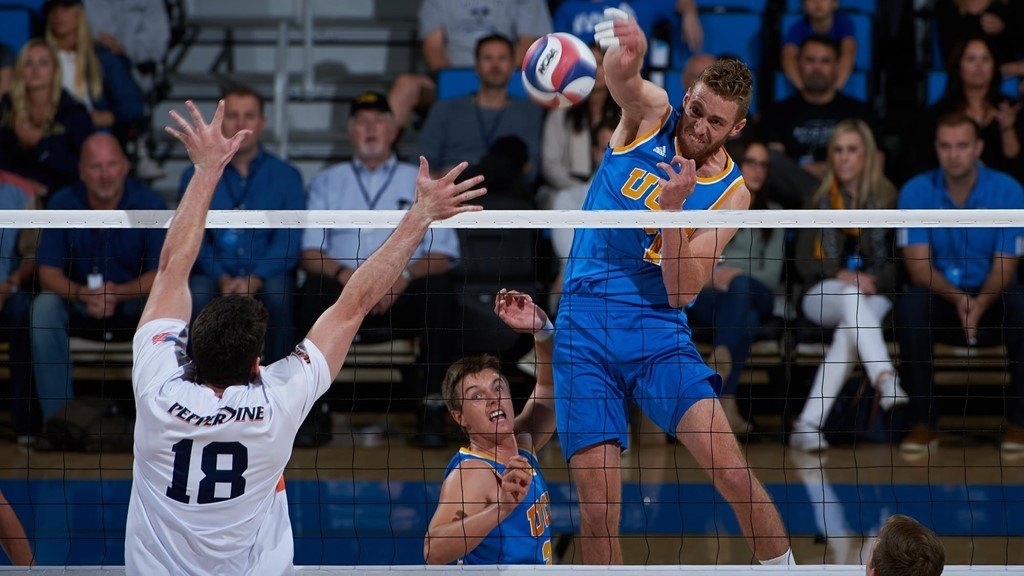 #2 UCLA Opens AVCA Showcase With Sweep Over #13 Penn State