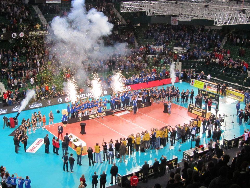 Stuttgart, Friedrichshafen Win 2017 German Cup Titles