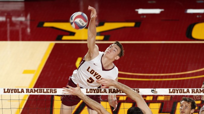Mahan Helps #5 Loyola Chicago Slip Past #13 Fort Wayne in Five