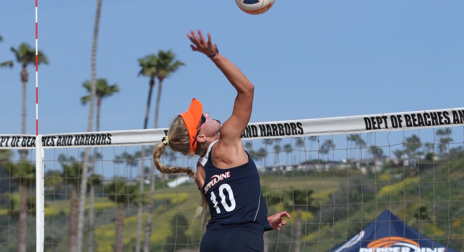 Pepperdine's Knudsen/Roh Dominate Pac-12 Competition