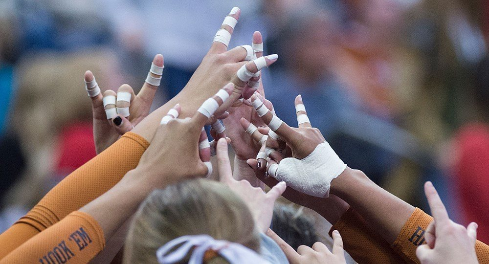 Texas Coach Jerritt Elliott Leaves Race For Starting Setter Wide Open