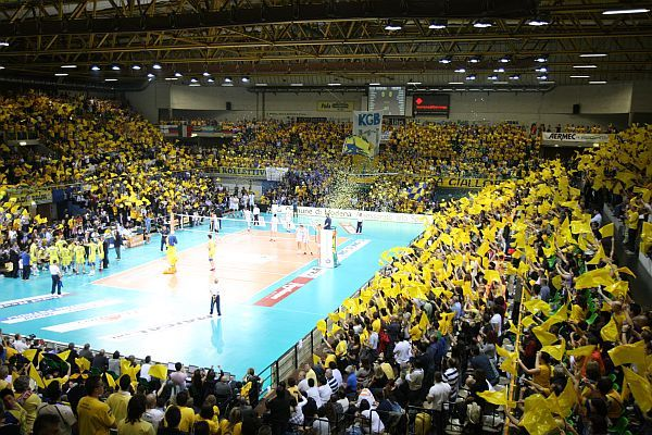Modena Sees Attendance Rise by 12% to Lead Serie A, Set Club Record