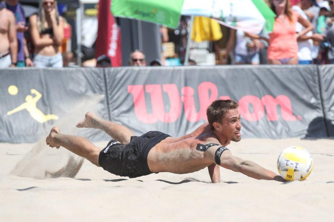 Top Four Seeds Cruise To Manhattan Beach Quarterfinals