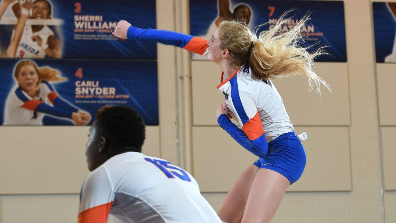 Carli Snyder Leads Florida Take Down of Top-Ranked Texas