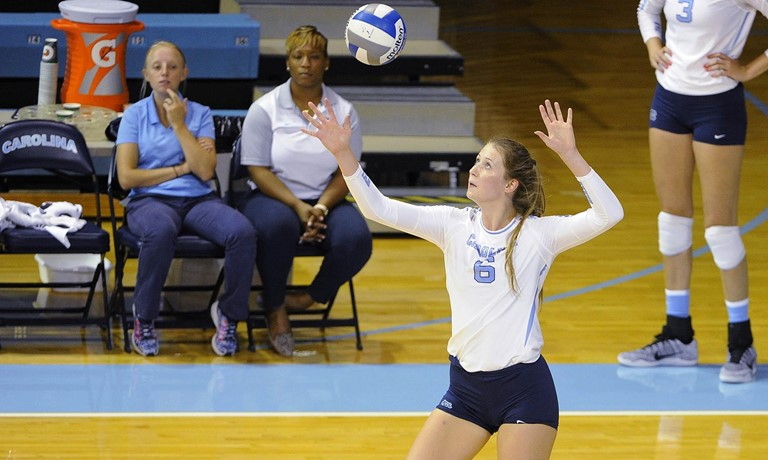 UNC's Holly Carlton Makes For The Perfect Dual Threat On The Court