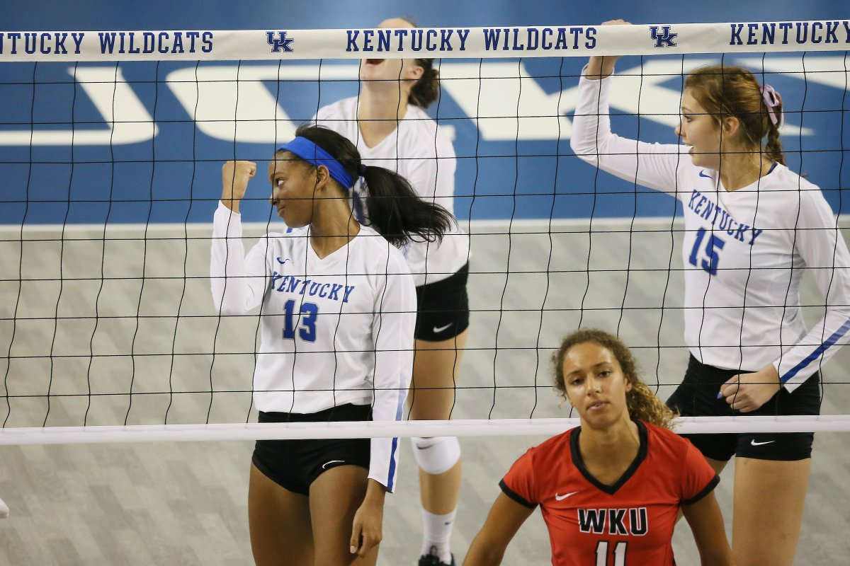 Kentucky S Leah Edmond Joins 1 000 Kill Club In Loss To Creighton