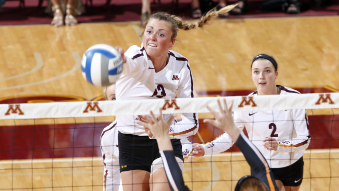 No. 3 Minnesota Moves to 6-0 With Sweep of Denver