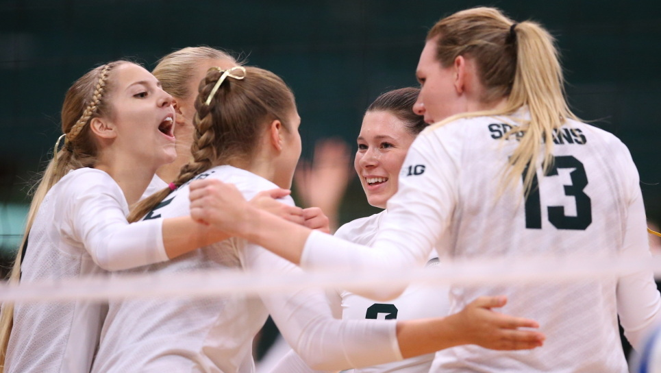 #10 Michigan State Tops Iowa in 4 Behind Balanced Offensive Attack