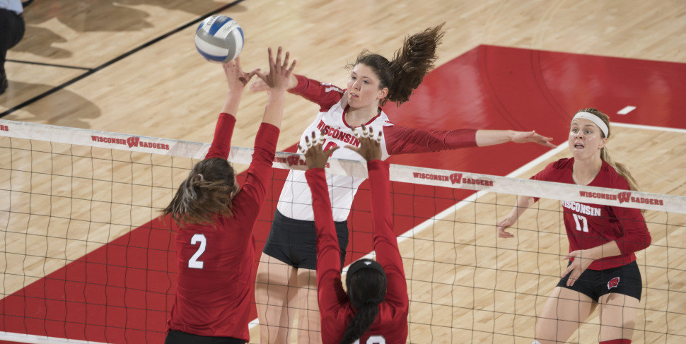 Wisconsin's Dana Rettke Earns 8th Freshman Of The Week Accolades