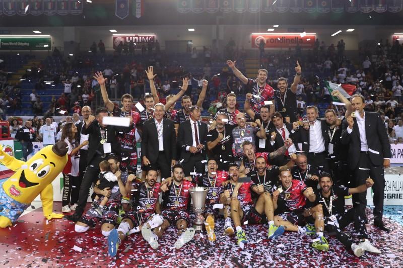 Sir Safety Takes Italian Super Cup Title Over Cucine Lube Civitanova