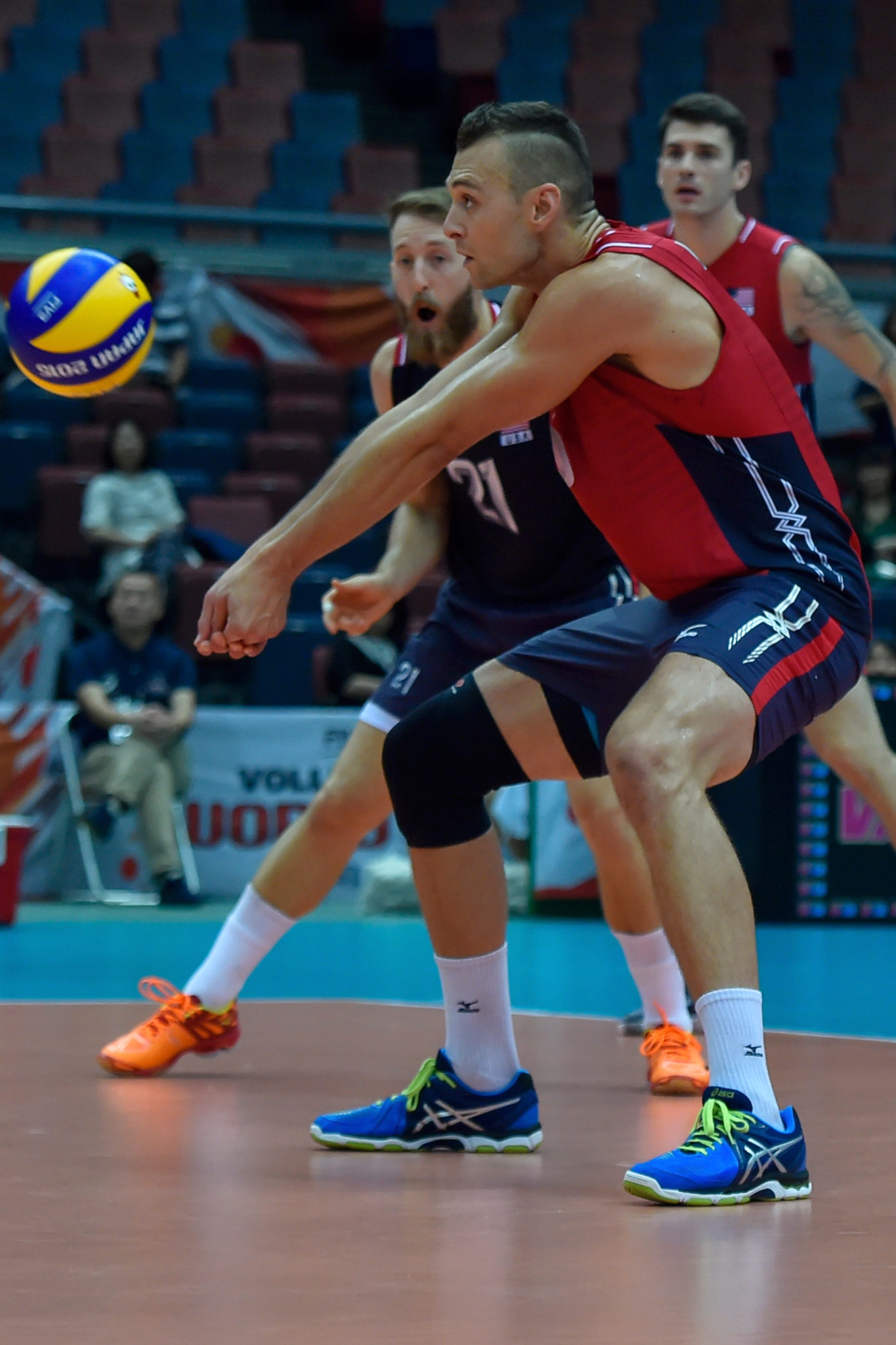 Former Team USA player Paul Lotman Returns To Indoor Volleyball