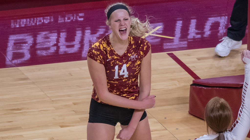 Jess Schaeben leads Cyclones to Sweep Over Wyoming