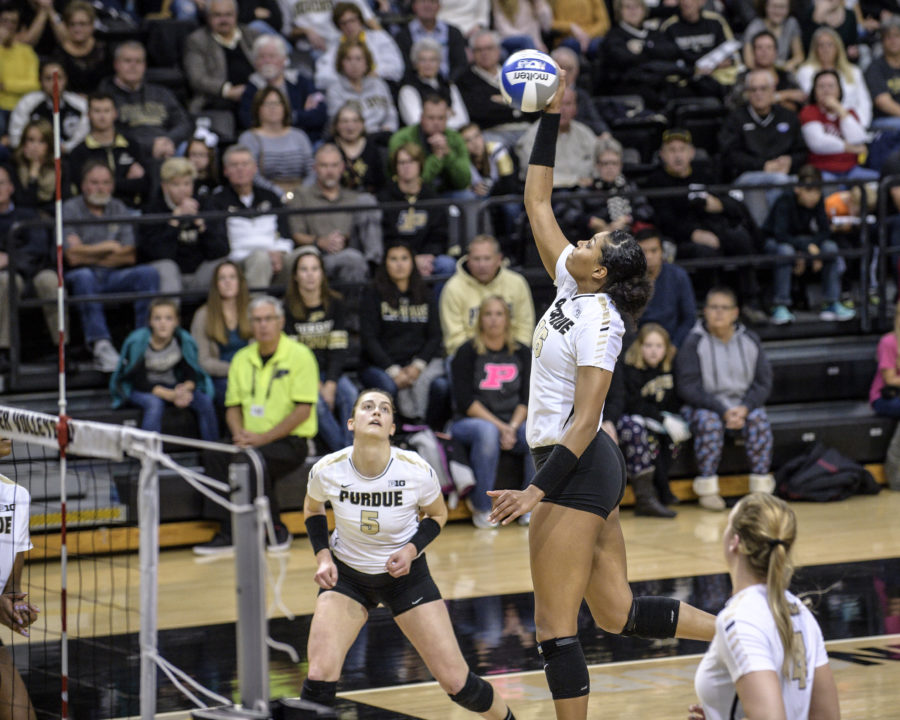 #21 Purdue is 5-0 After Facing Oakland and Notre Dame