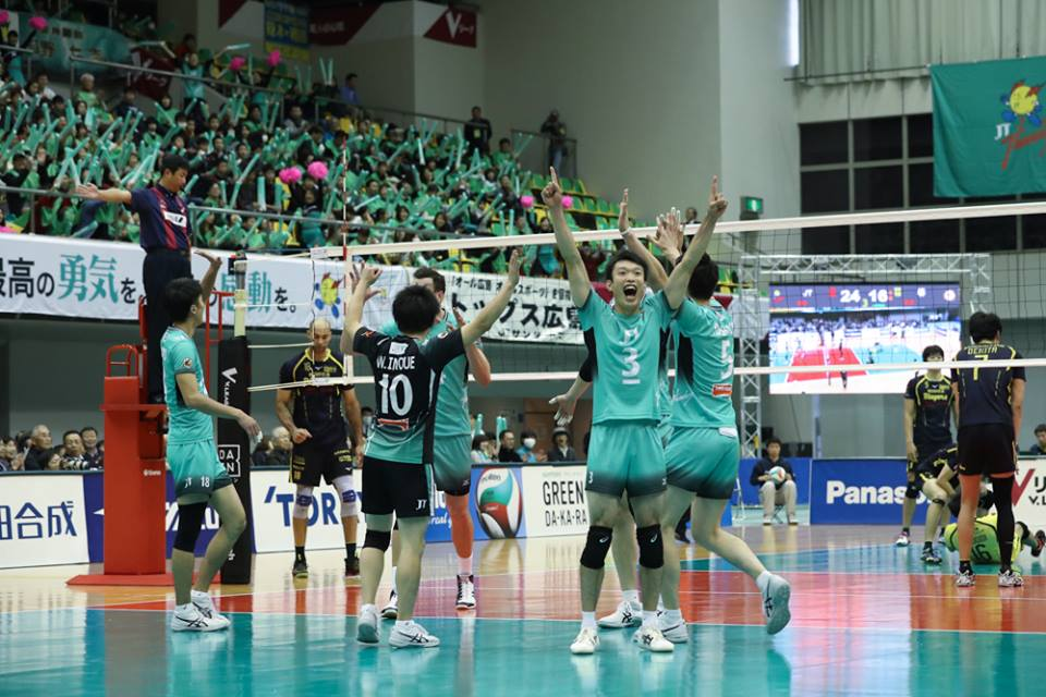 Japan Men's: Panasonic jump into first beating Trefuerza