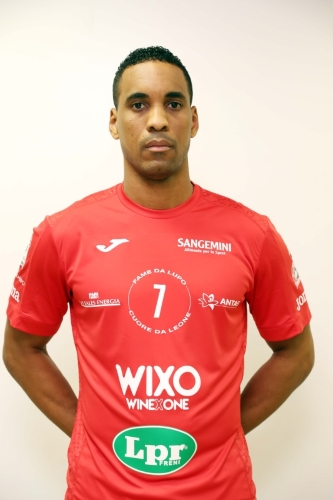 Cuban High Flyer Leonel Marshall Debuts as Libero For Piacenza