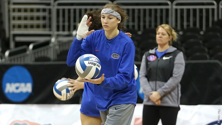 Florida's Caroline Knop Playing Better Than Ever With Broken Hand