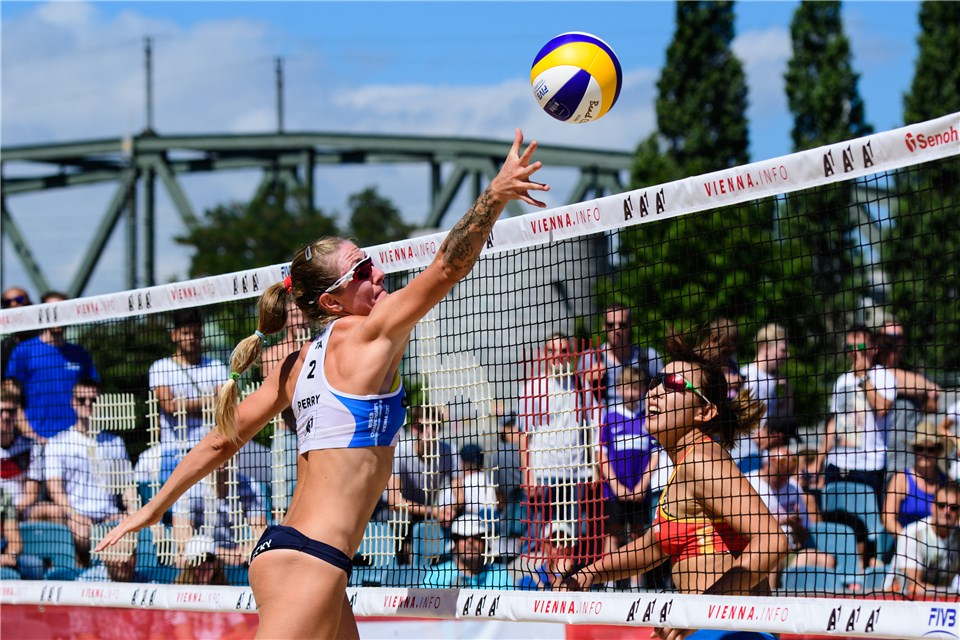 American Becky Perry Returns To Indoor Volleyball, Signs In Italy