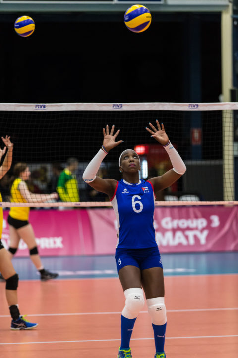 Peru's UCV Deportes Inks Two Cuban Middle-blockers