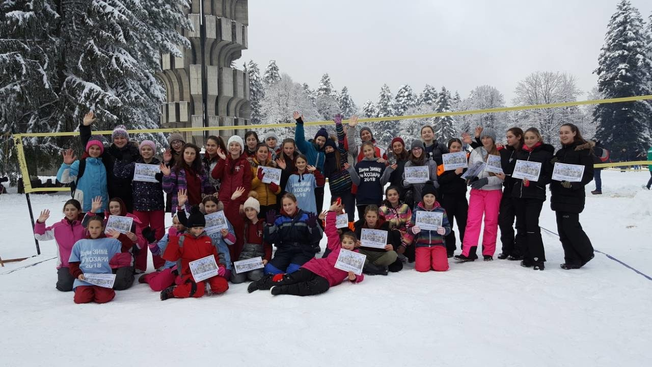 First Snow Volleyball Tournament In Bosnia Draws 56 Players
