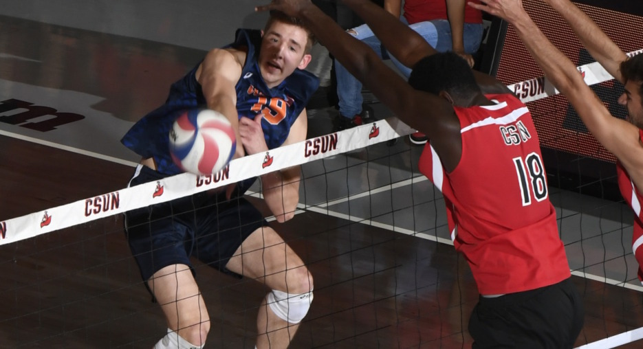 Wieczorek Lifts #14 Pepperdine to Upset of #4 UCI; #2 UCLA Sweeps USC