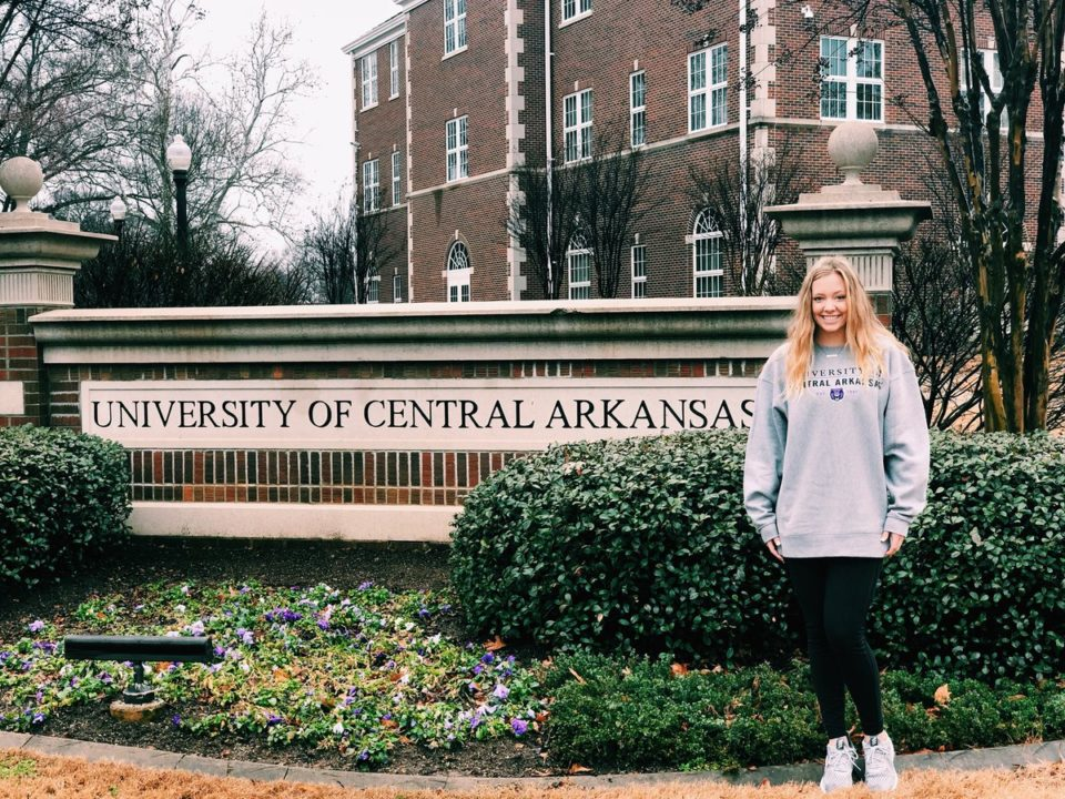 Class of 2019 Katie Chambers Commits to Central Arkansas Beach/Indoor