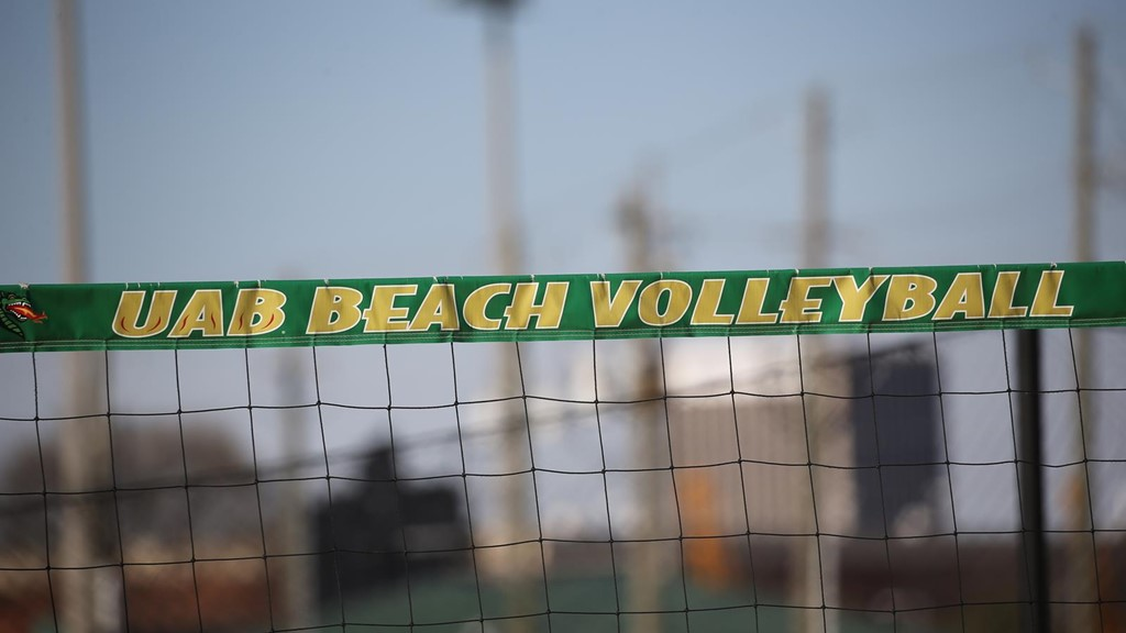 Class of 2018 Recruit Lizzie Thompson Commits to UAB Beach