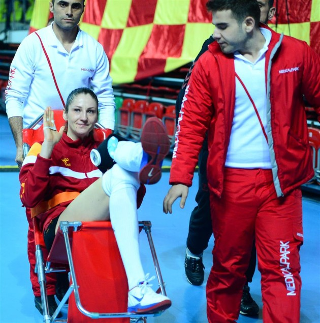 Galatasaray's Koshleva Goes Down With Injury In Champions League Match