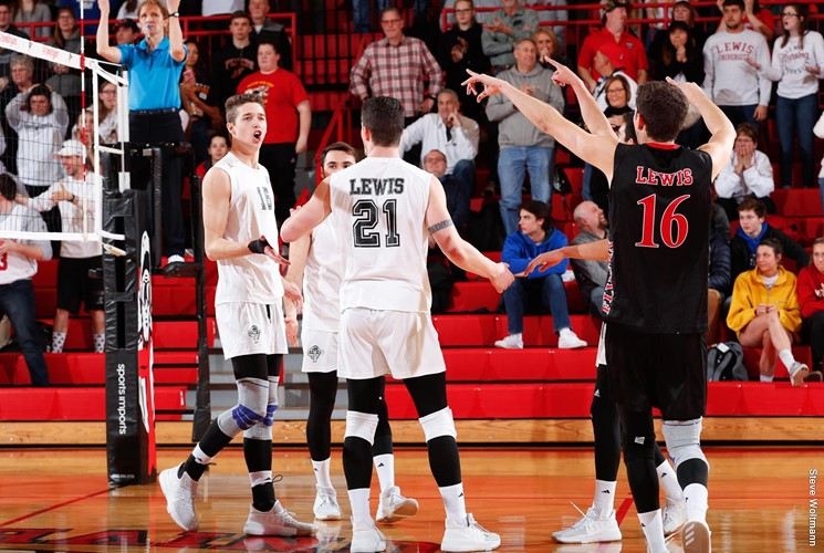 #9 Lewis Dominates Net in Sweep of #12 Ball State