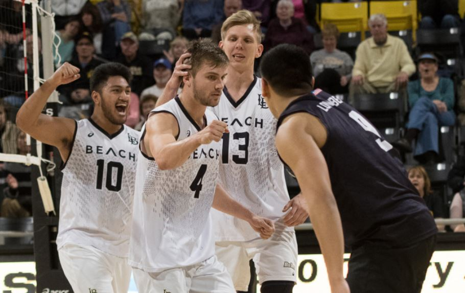 #1 Long Beach Stays Perfect at 16-0; #2 Hawaii Also Notches Sweep