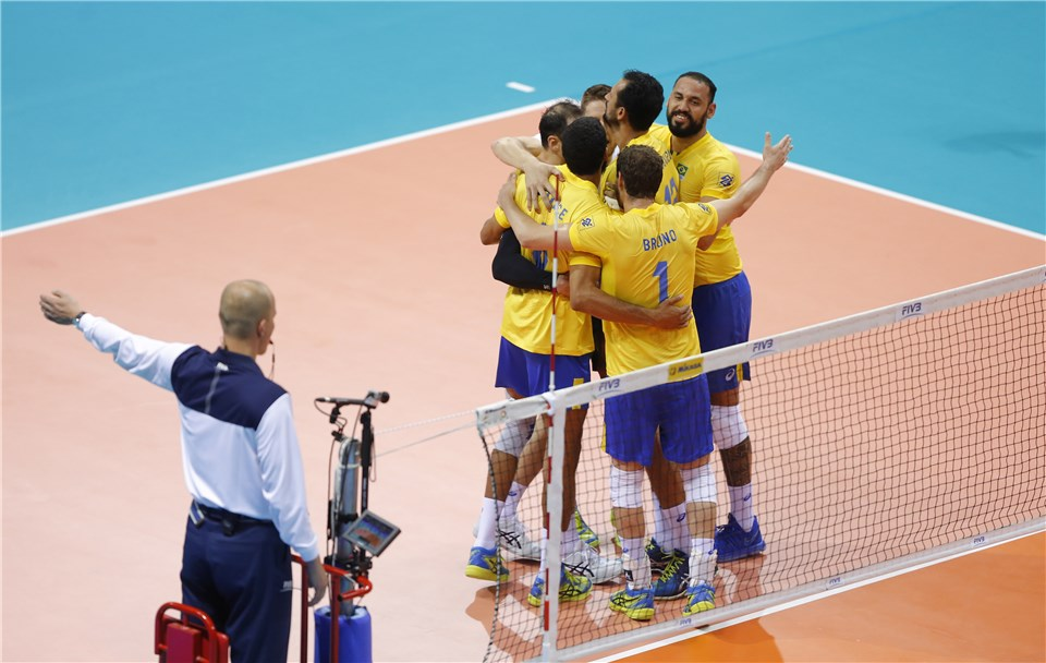 Errors Aid Italy, Brazil in #VNL Opening Day Pool 3 Victories