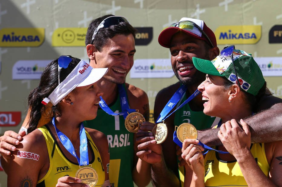 Brazil Sweeps Itapema Golds with Evandro/Andre, Agatha/Duda