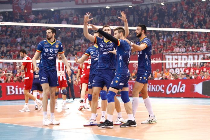 WATCH: Olympiacos Fans Make CEV Cup Game Feel Like Soccer Game