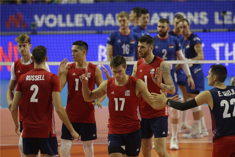 American Outside Hitter Thomas Jaeschke Leaves Match with Knee Injury