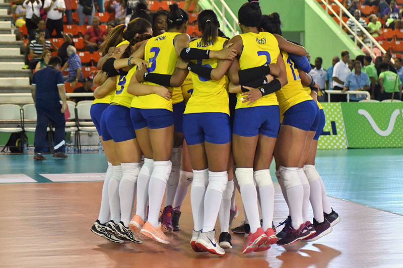 Columbia Holds On in Five Setter, Brazil Blanks Mexico